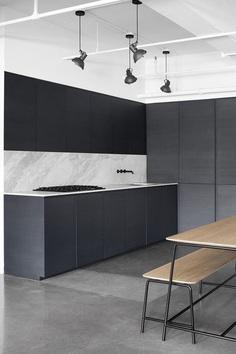 Black kitchen, Atelier Barda Montreal