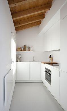 Kitchen @ Villa Piedad by Marta Badiola. Photo by Francisco Berreteaga. #villapiedad #martabadiola #kitchen