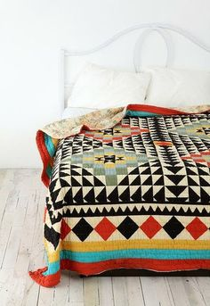 geometric #interior #quilt #geometry #pattern #cover #triangle #bed