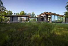 Contemporary US Lake House Defined by Openness and Transparency #architecture #contemporary