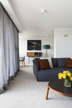 Domain Apartment Offers a Timelessly Elegant Retreat in Melbourne 5