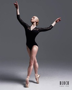 Monday motivation from our stunning Bloch Brand Ambassador @claudiadeancoaching #blochau #monday #dance #pointe #love