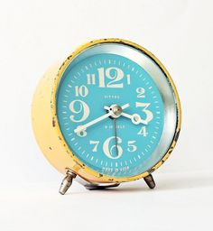 Vintage mechanical alarm clock Vitjaz from by ClockworkUniverse #soviet #etsy #vintage #numbers #clock