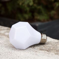 Save energy and money with this sleek, LED lightbulb.
