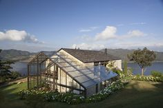 Lake House by Fernando de la Carrera and Alejandro Cavanzo - HomeWorldDesign (3)