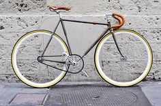 FFFFOUND! #bikes #fixed #gear #track #bike