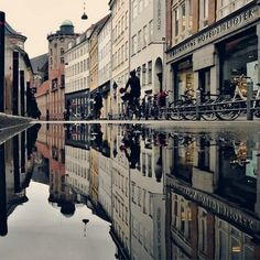 CJWHO ™ (Unique Reflective Cityscapes Turn Copenhagen...) #city #photography #reflection