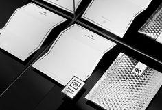 SARINA KUENZLI BRAND by orfeo lanz orfeolanz.ch #branding #black/white #mirror #logo #statonery #orfeolanz