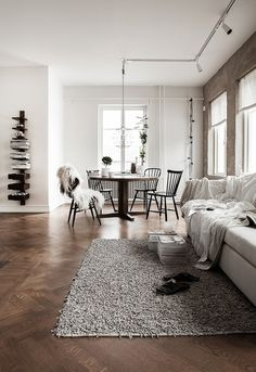 The Design Chaser: Interior Styling | Two Toned Wood #interior design #decoration #decor #deco
