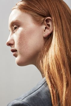 India Salvor Menuez by Thomas Lohr #photo #hair #portrait #ginger #freckles