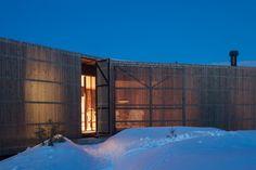 Lund Hagem installs Y-shaped cabin on hilltop above Norwegian ski resort #norway #lodge #nordic #architecture