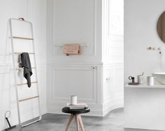 Menu Ladder #interior #white #wood #ladder #metal