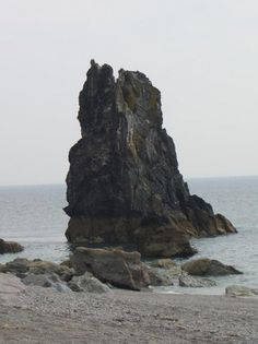 stack01.jpg (JPEG Image, 461 × 615 pixels) #stacks #sea