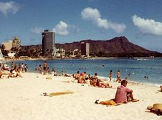DiamondHead1.jpg (800×596) #diamond #waikiki #head #hawaii #beach #1960