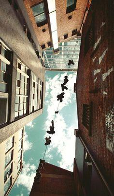 tumblr_lwpwmrHpfE1qk5nxbo1_1280.jpg (JPEG Image, 600×1027 pixels) #building #sky