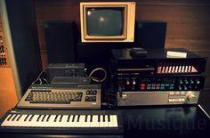 5261742000_7dd42a9d3b_b.jpg (JPEG Image, 1024x675 pixels) #music #synth #vintage #electronics