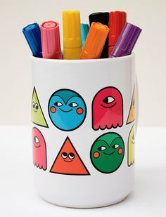 Onesidezero Illustration : Artwork by Brett Wilkinson #mug #character #faces #happy #colours #pens #onesidezero #brett wilkinson