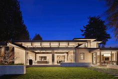 Waterfront Residence in Seattle with Luxurious Design Features