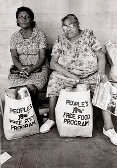 "Black Panthers ""People's free food program"" #inspiration #blackandwhite #photography"