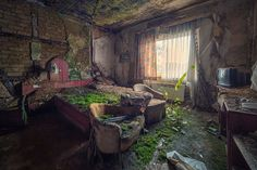 nature-reclaiming-abandoned-places-26 #abandoned #photography