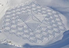 Simon Beck artist and his abstract land art #3d #his #france #each #pai #snow #is #there #the #it #creating #and #art #when #artis #winter