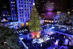 2 Christmas art in New York ceremony with christmas tree