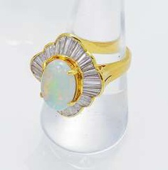 Opal-Diamant-Ring