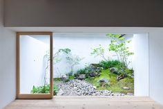 Japanese internal garden. AWOMB by Endo Shojiro Design. © Matsumura Kohei. #garden