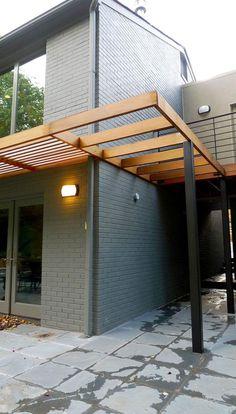 Modern renovation by KUBE Architecture