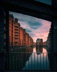 Breathtaking Street Photos of Hamburg by Boris and Sandro Erceg