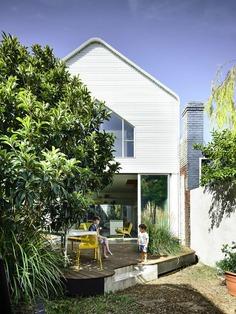 outdoor / Austin Maynard Architects