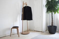 Coatrack by noun