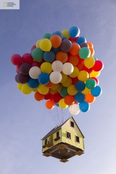 Up-Inspired Floating House (14 photos) - My Modern Metropolis #photography #design #magic