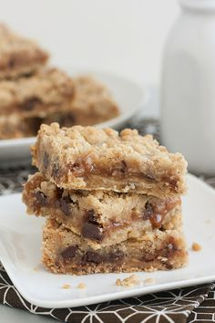 Salted Carmelita Bars #food