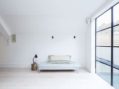 Family room. Fulham House by Daniel Lee. #familyroom #minimal