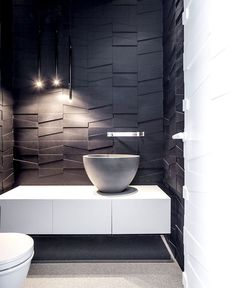 Penthouse Located in Tel Aviv - dark & white monochromatic bathroom #bw #bath #design #bathroom #wall #dark #3d