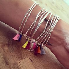 25 DIY FRIENDSHIP BRACELETS