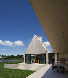 Georgica Cove House by Bates Masi Architects