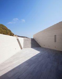 Voronoi's Corrals #light #architecture #spaces