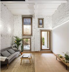 Traditional Style House Transformed into a Modern Home in Barcelona 7
