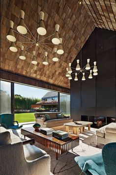 This Hamptons House Features Warm, Earthy Tones and a Modern Interiors 4