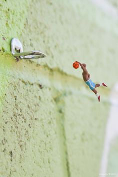 Street Art by Slinkachu 1 #miniature #art