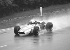 2678483461_19f7dcaf9e_o.jpg (1198×856) #francorchamps #surtees #1968 #belgium #photography #john #honda #spa