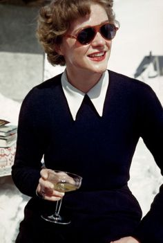 robert capa ski photographs exhibition.sw.9.robert capa show icp ss05 #drank #alps #woman #vintage #50s