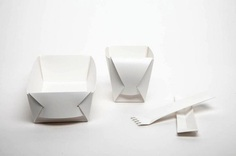 Fold Project: A Folding Up Eating Set - IPPINKA The Eating Set is inspired by efforts to reduce our carbon footprint by investing in things we could use time and time again. It is made from fully recyclable 100% BPA free plastics, biodegradable printing inks and cardboard packaging. So the next time you're out filling your belly at a picnic, you don't need to fill the bin too.
