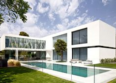Party House Project by Pitsou Kedem Architects contemporary landscape garden pool #house #design #dream #home #architecture