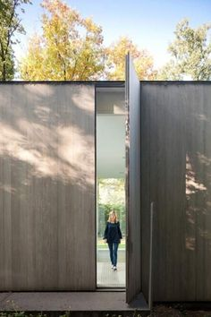 Dezeen » Blog Archive » Villa Roces by Govaert & Vanhoutte #door architecture