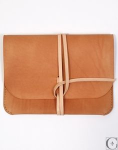 FFFFOUND! | Kenton Sorenson Leather iPad Portfolio - CONTEXT CLOTHING - Free Shipping! #fashion #creative #case #leather