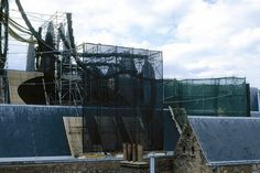 Karin van Dam - Installations 2 - Quartier du Vent (1999) #van #dam #art