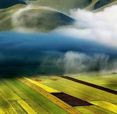 Nature photographs by Edmondo Senatore | Best Bookmarks #photography #mountain #landscape #cloud